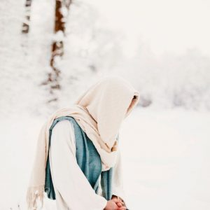jesus-christ-kneeling-in-prayer